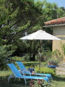 Argile-dor-Ferien-in-Frankreich-Gartensitzplatz
